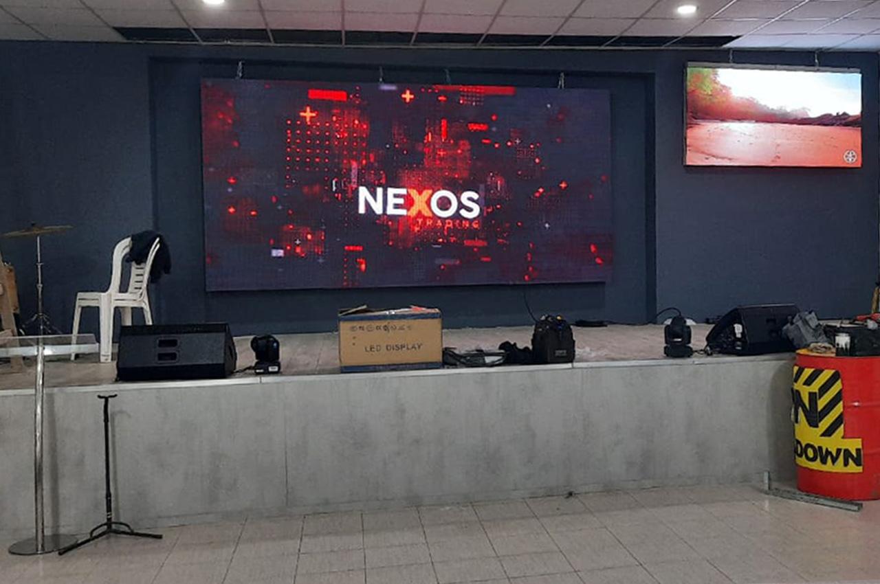 Centenario, Neuquén , . Pantalla Indoor 4x2 P5